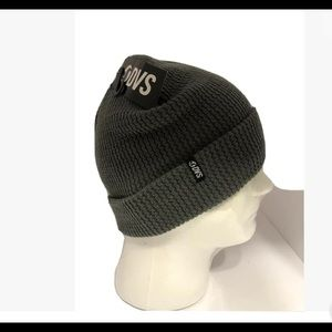 DVS Beanie NWT  One Size Grey Color
